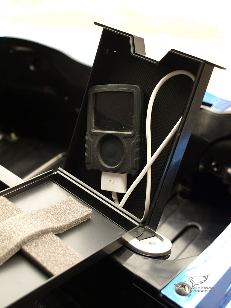 Honda GL1800 Trunk MP3 / iPod Protection Storage Tray